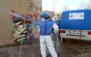 Graffiti plovimas
