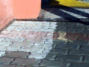 Vidurys trinkelių, grindinio, betono dangos valymas